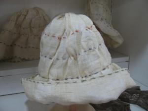 ろうけつ染めの帽子 5,184円