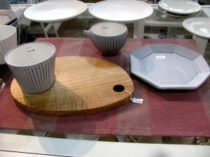 フリーカップ、急須、八角皿 ¥1,080-、¥1,296-、¥1,080-