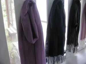 ゆらぎ織り ¥4,968- たてよろけが、ゆらぐ波を描き出します。