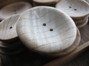 栓の木のボタン