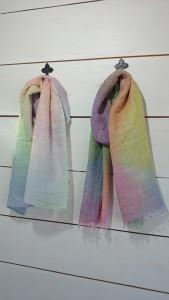 ローケツ染めストール       綿、レーヨン ¥3,240                  ¥4,320