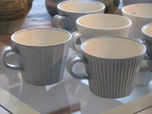 マグカップ 1,300円 直径9cm、高さ7cm